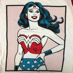 Wonder Woman DC comics shirt medium women's
